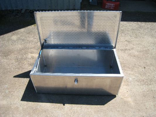 Koffler'sDry Box with Diamond Plate Lid (Open)