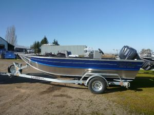 17′ x 72″ Bay Bee Center Console Model