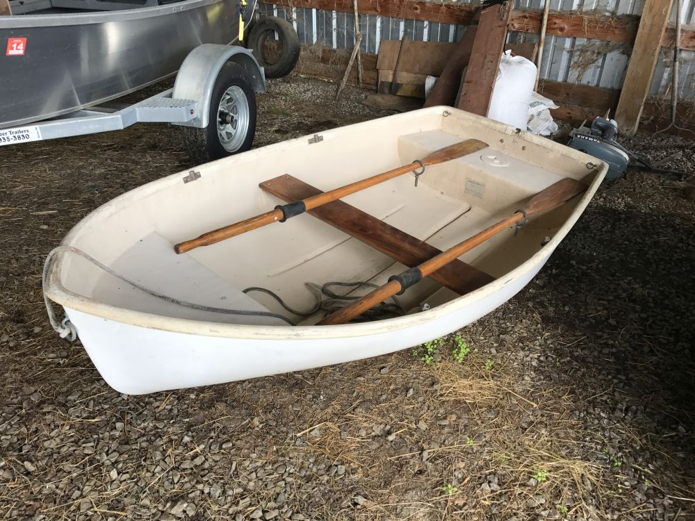8 39 fiberglass boat with motor koffler boats for Used boats and motors