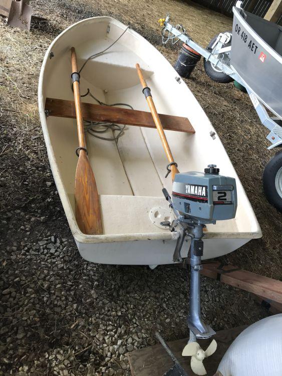 8′ Fiberglass Boat with Motor